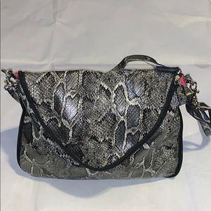 ALBA SNEAK SKIN EXPENDABLE HAND BAG NEW WT TAG